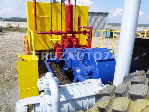 Цементировочный агрегат УНБ-160х32 (Урал 4320)