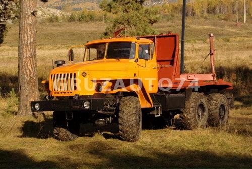 Лесовозный автопоезд Урал 55571 (59602C, 9047L)
