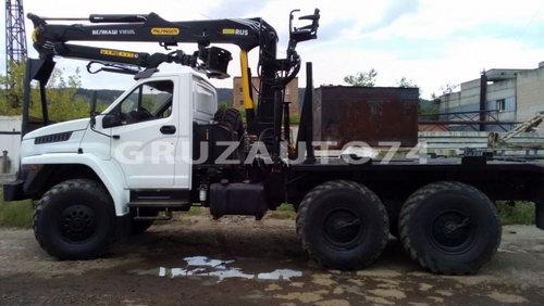 Лесовозный автопоезд Урал-NEXT 55571(5557) с манипулятором (59604T, 9047L)